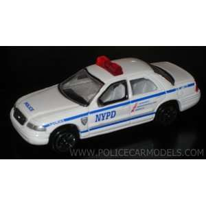 1/64 NYPD New York City Police Ford Crown Victoria Toys & Games