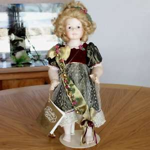 VINTAGE FRANKLIN MINT HEIRLOOM BISQUE PORCELAIN DOLL