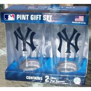 New York Yankees Color Change Pint Glasses Sports